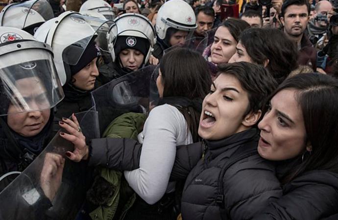 Soylu'nun hedef aldığı Las Tesis eylemine katılan öğrencilerin bursu kesildi