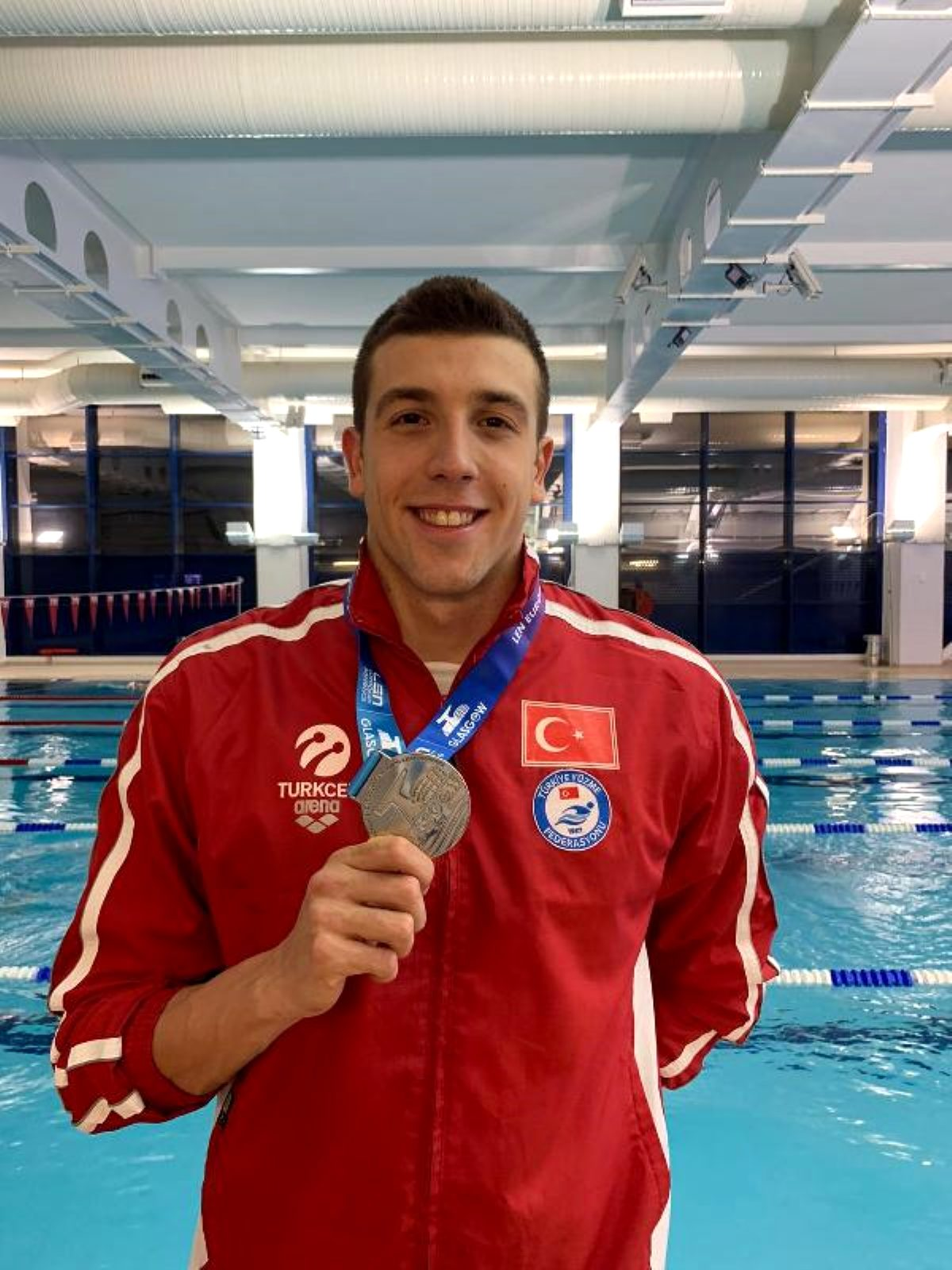 Milli yüzücü Emre Sakçı Avrupa 2'ncisi oldu