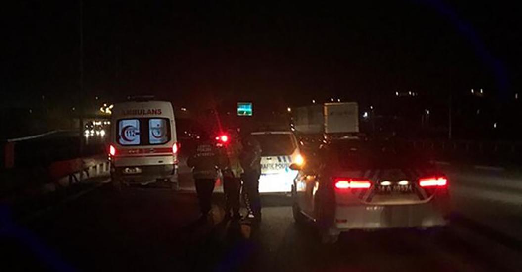 İstanbul'da feci kaza! Düşen plakayı almak isteyen muavin canından oldu