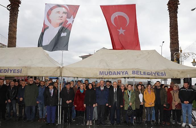Mudanya Mütarekesi'nin kahramanı İsmet İnönü, Mudanya'daki anıtı önünde anıldı