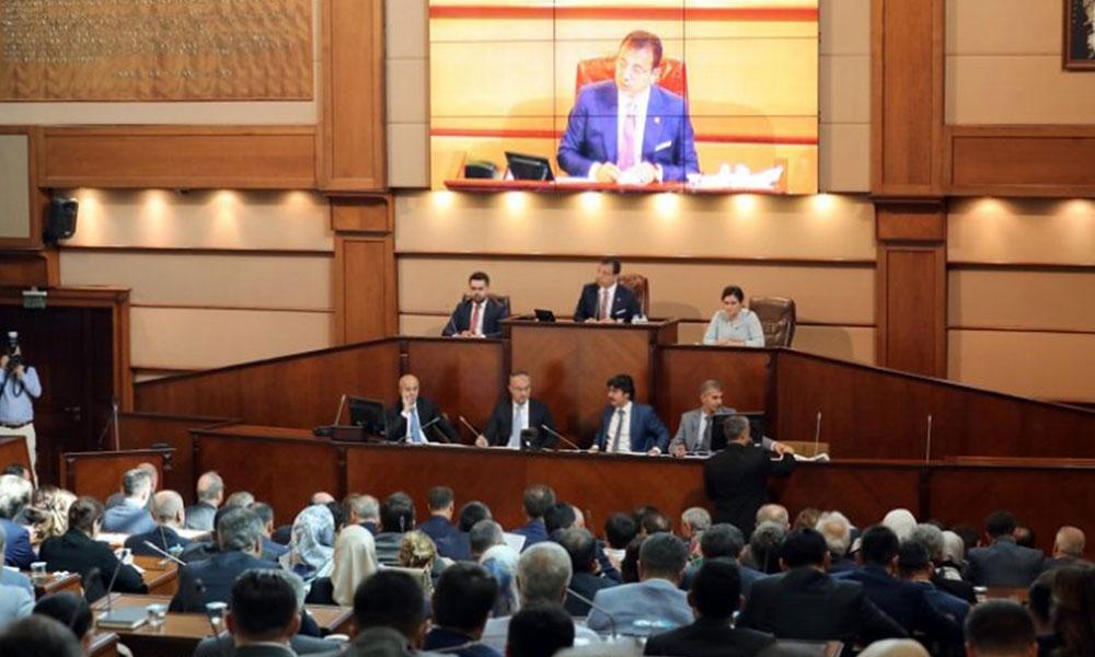 İBB Meclisi'nde AKP'li üyeden 'nezaket' dışı söylem…