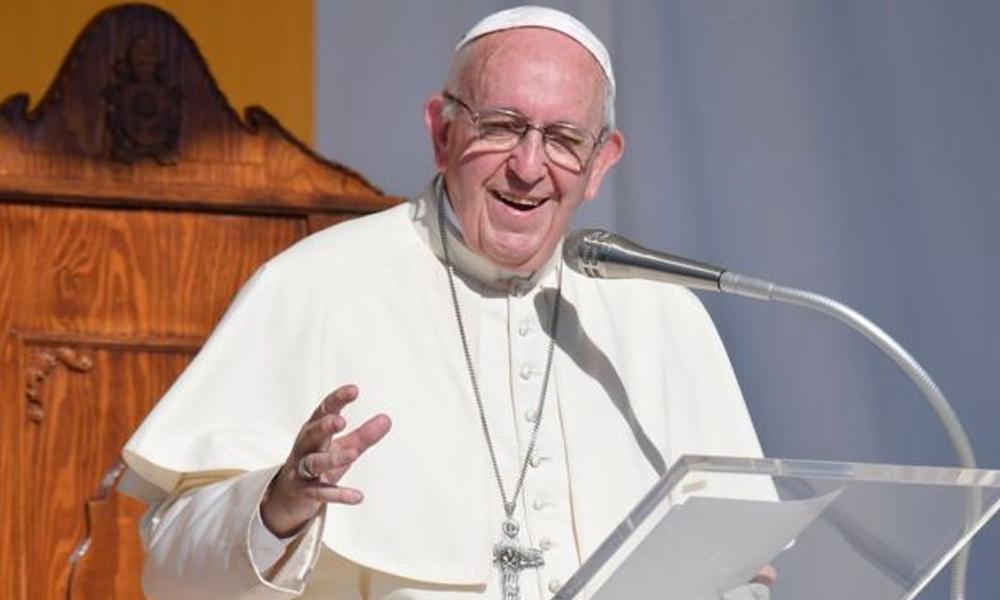 Papa'dan geleneksel Noel mesajı: Tanrı en kötümüzü bile seviyor