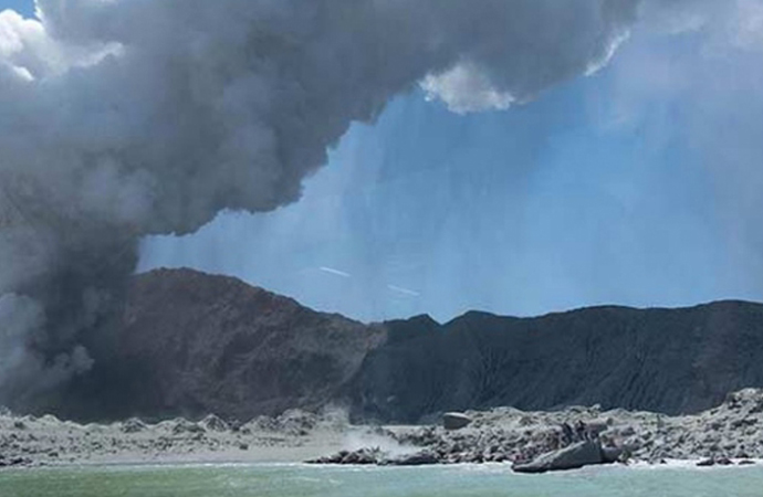 Whakaari Yanardağı patlaması: Ölenlerin sayısı 16'ya yükseldi