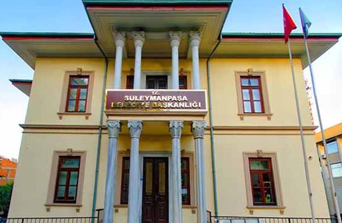CHP'den AKP'ye gecen belediyede sanat hırsızlığı! 'Böyle mi belediyecilik yapıyorsunuz'