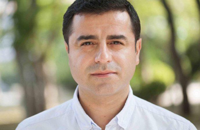 Selahattin Demirtaş: Bir avukat olarak yanlarındayım