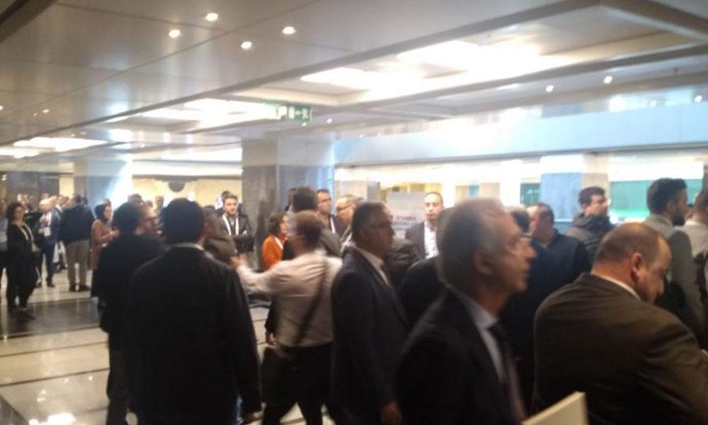 İBB'nin ulaşım çalıştayında Taksiciler ve UBER'ciler birbirine girdi