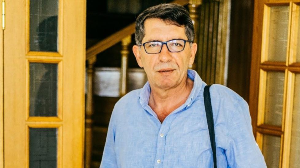 Gazeteci Demirağ'a gece yarısı gözaltısı