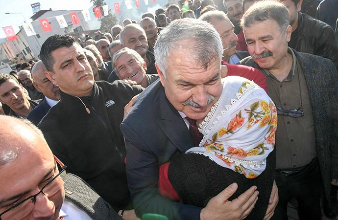 Kadın-erkek omuz omuza çalışacak, Adana gelişecek!
