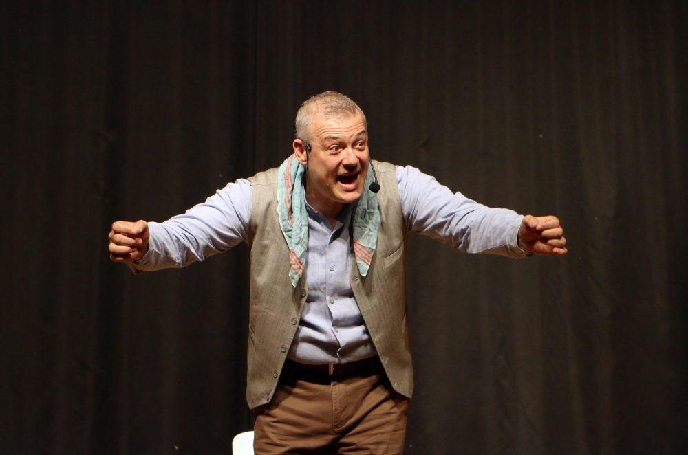 """""""Anlatılan Senin Hikâyendir"""" adlı tiyatro oyunu Kartal'da sahnelendi"""