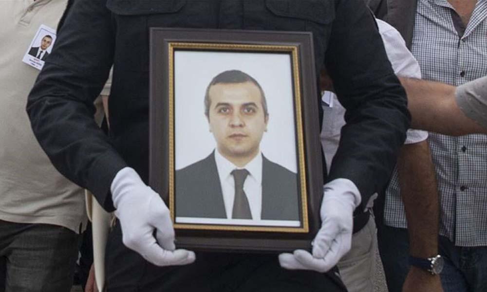 Türk diplomatı öldüren iki kişiye idam cezası