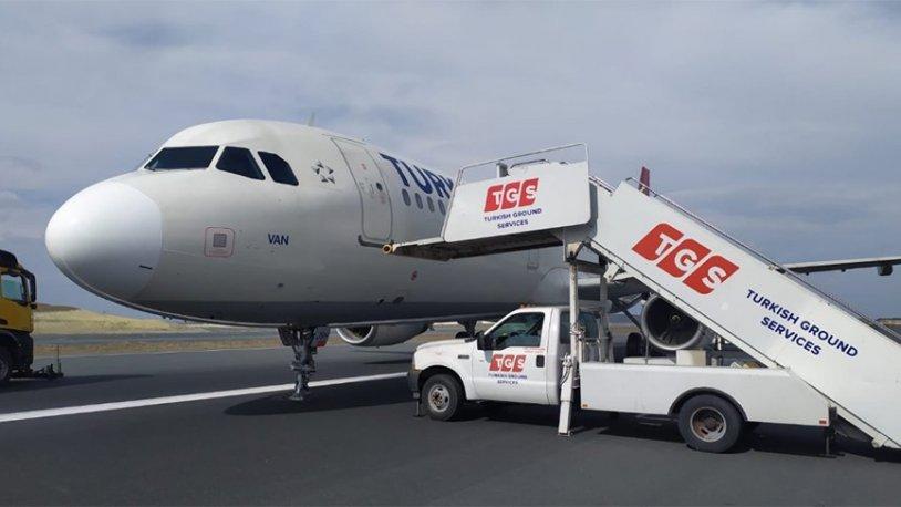 İstanbul Havalimanı'nda korku dolu anlar! Uçak pistin ortasında kaldı…