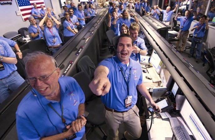 2.500 sterlin maaşla çalışacak Uzay gönüllüleri aranıyor