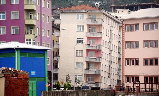Rize'deki Pisa kulelerini üçte biri fiyatına kiralıyorlar
