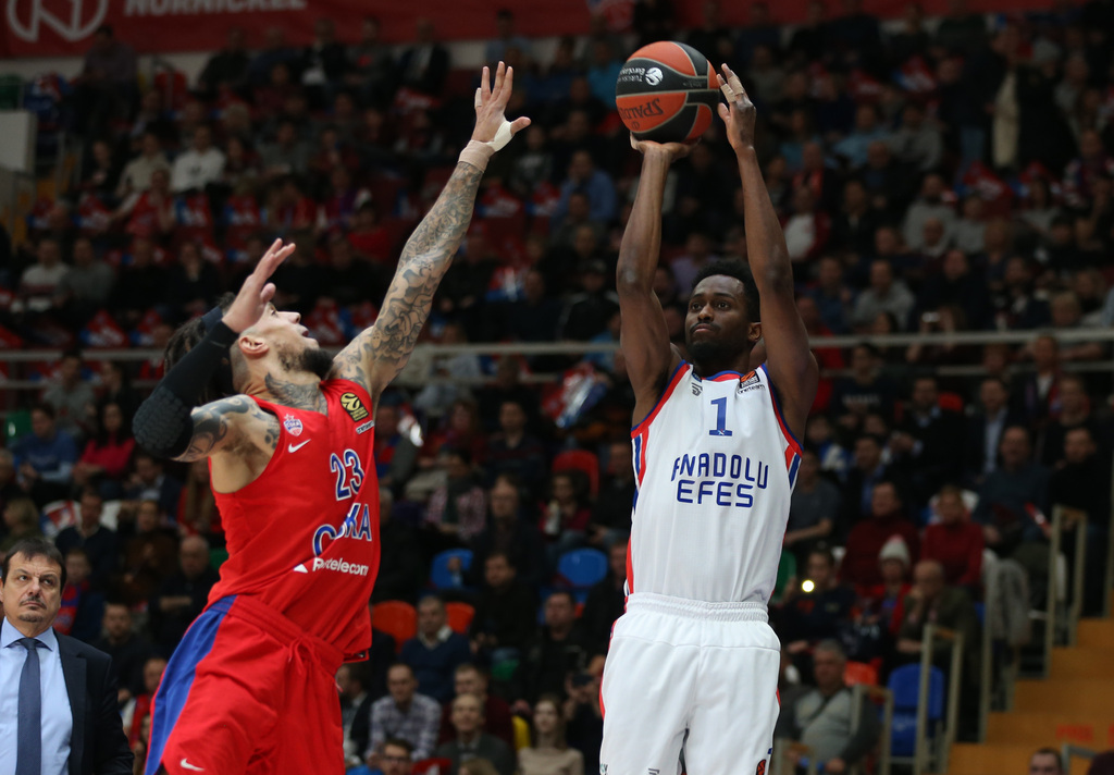 Anadolu Efes, CSKA Moskova'yı deplasmanda devirdi!