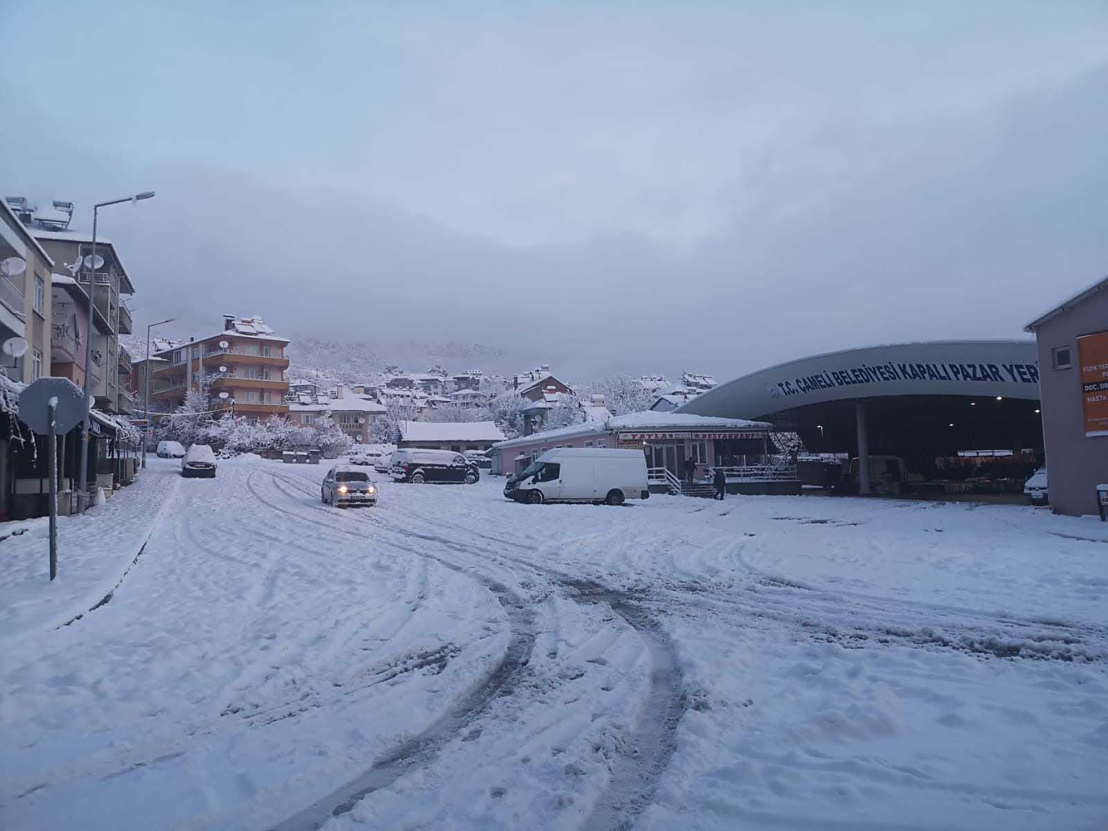 Denizli'nin üç ilçesinde eğitime kar engeli