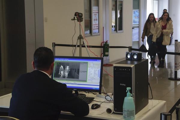 Kıbrıs'ta koronavirüs alarmı! Bakanlık açıklama yaptı