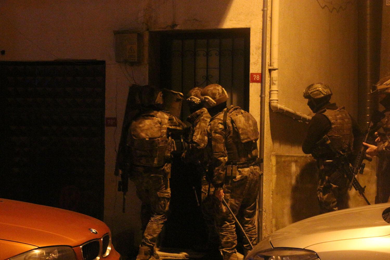 İstanbul'da özel harekat destekli operasyon! Çok sayıda gözaltı var