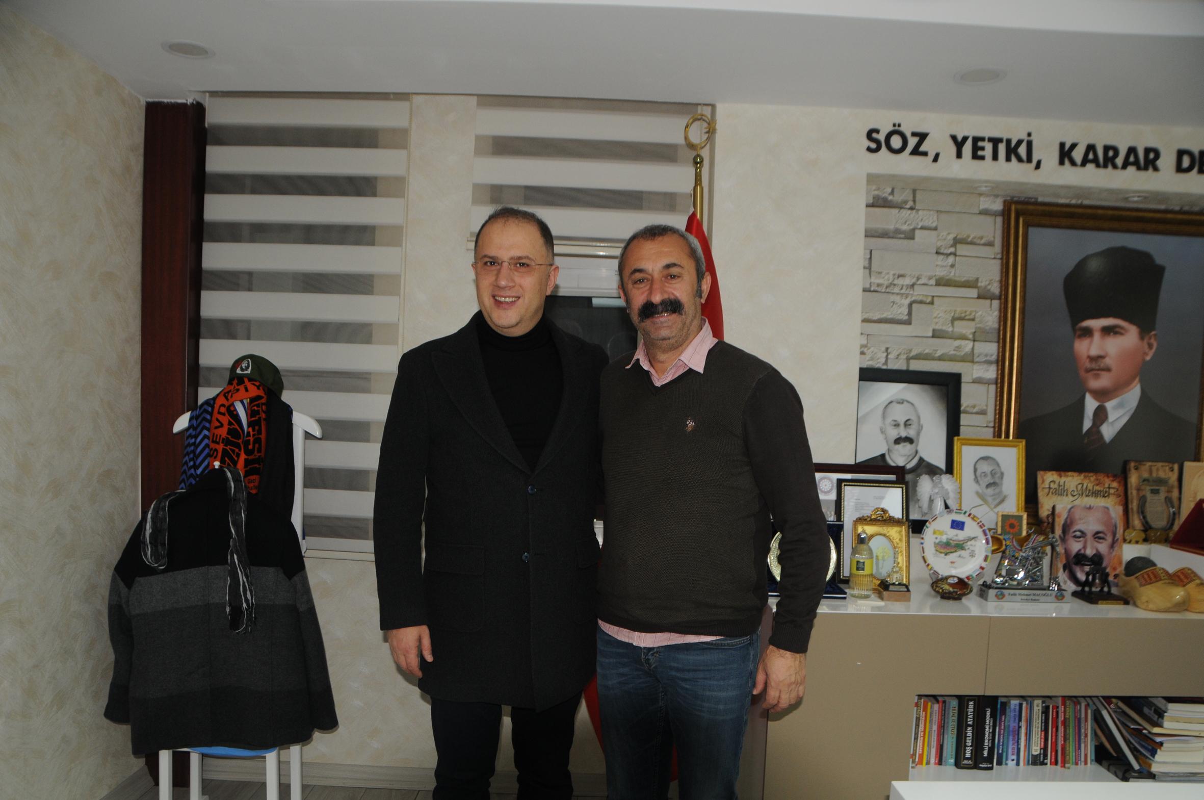 Beylikdüzü Belediye Başkanı'ndan 'Komünist Başkan'a ziyaret