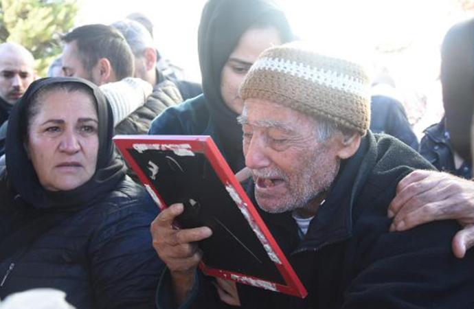 Uçak kazasında ölen Songül Bozkurt'un cenazesinde, gözyaşları sel oldu