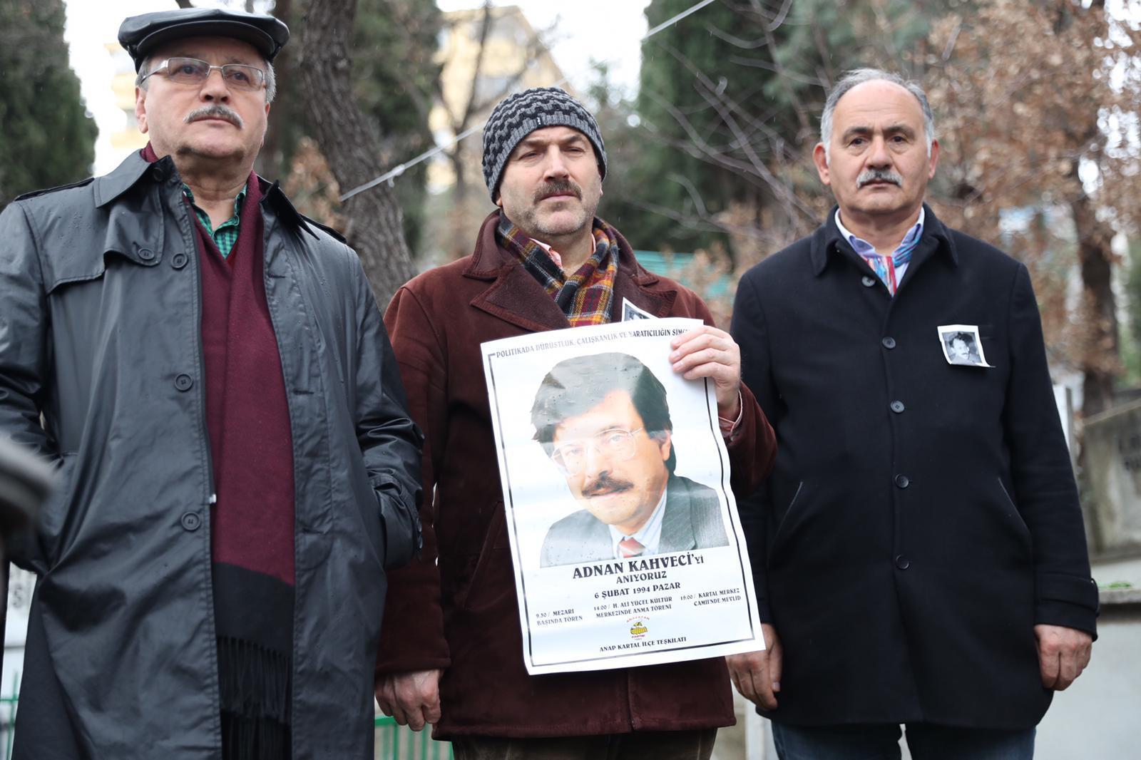 Adnan Kahveci, vefatının 27. yılında Kartal'daki mezarı başında anıldı