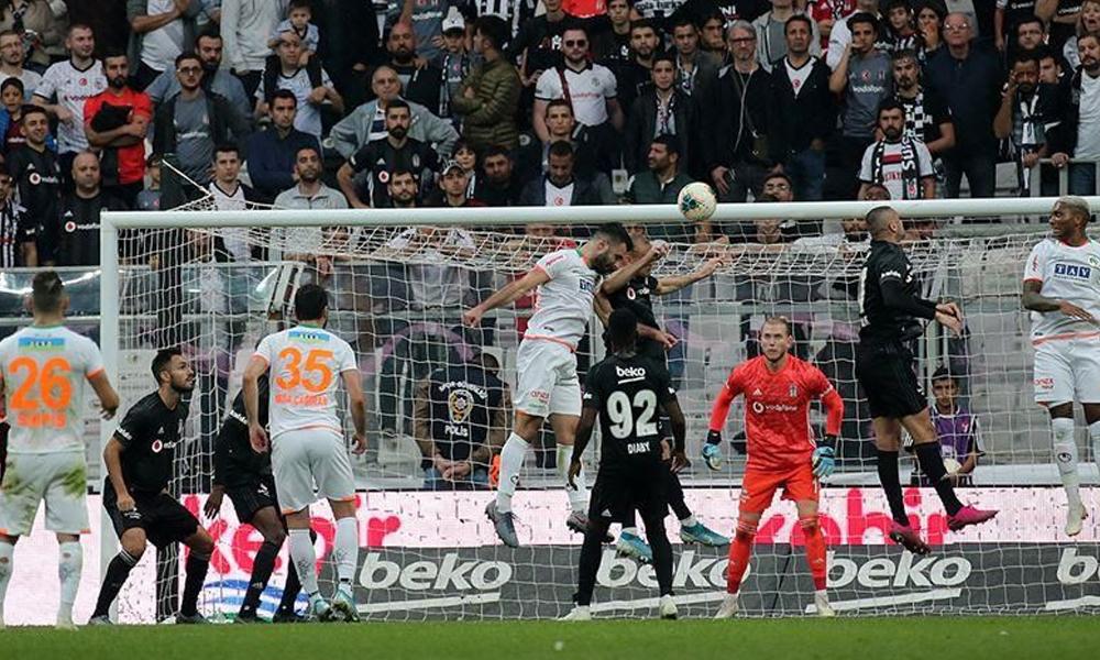 Beşiktaş, geriye düştüğü mücadeleyi Burak Yılmaz'la kazandı