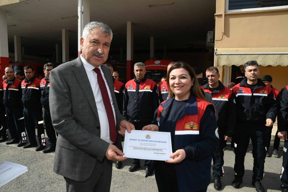 Başkan Zeydan Karalar'dan, itfaiye personeline sertifika
