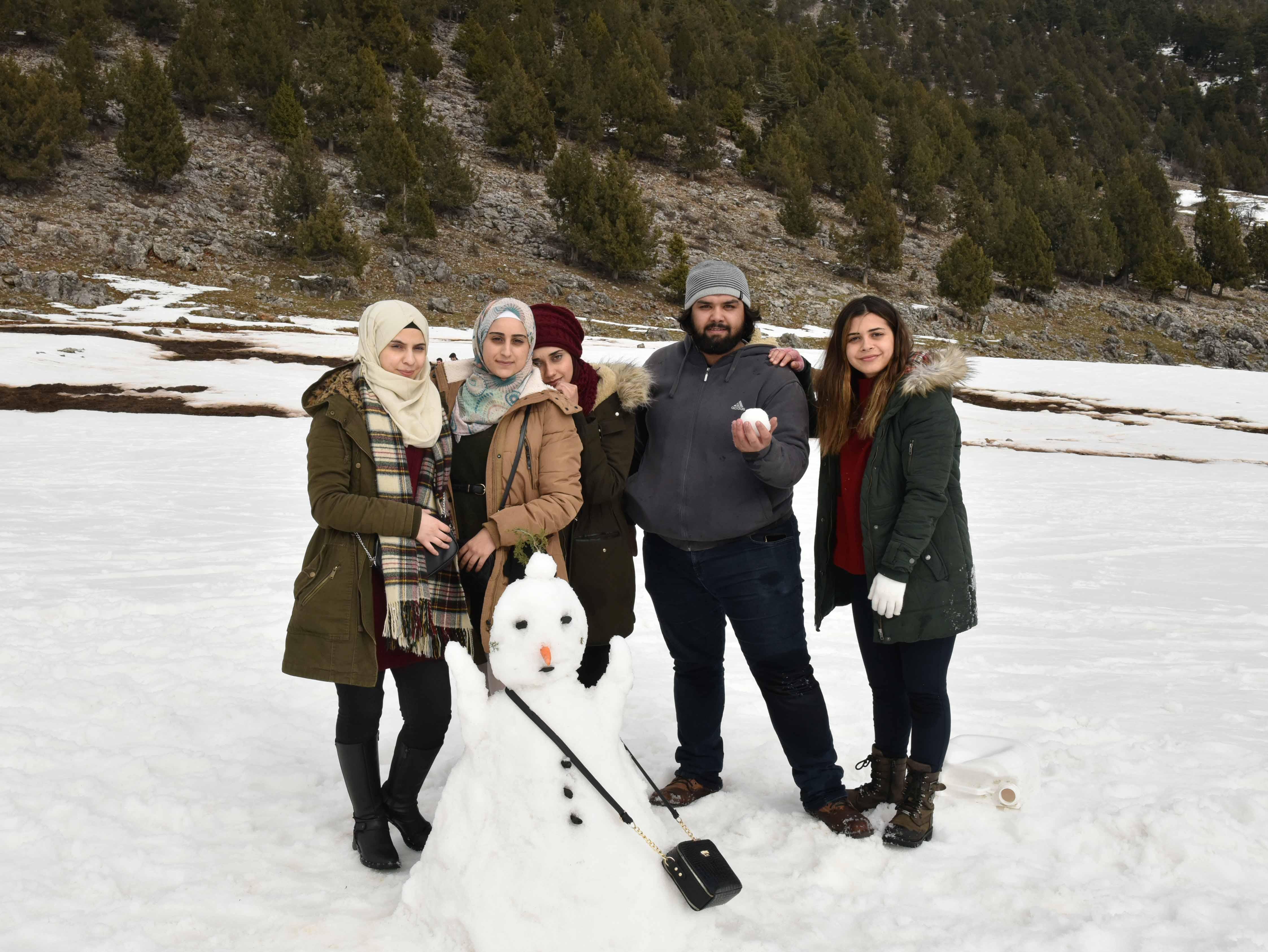 Adana'ya göçle gelenlere kar gezisi