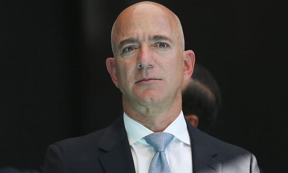 Jeff Bezos'un yan koltuğunda uzaya çıkmak 28 milyon dolar!
