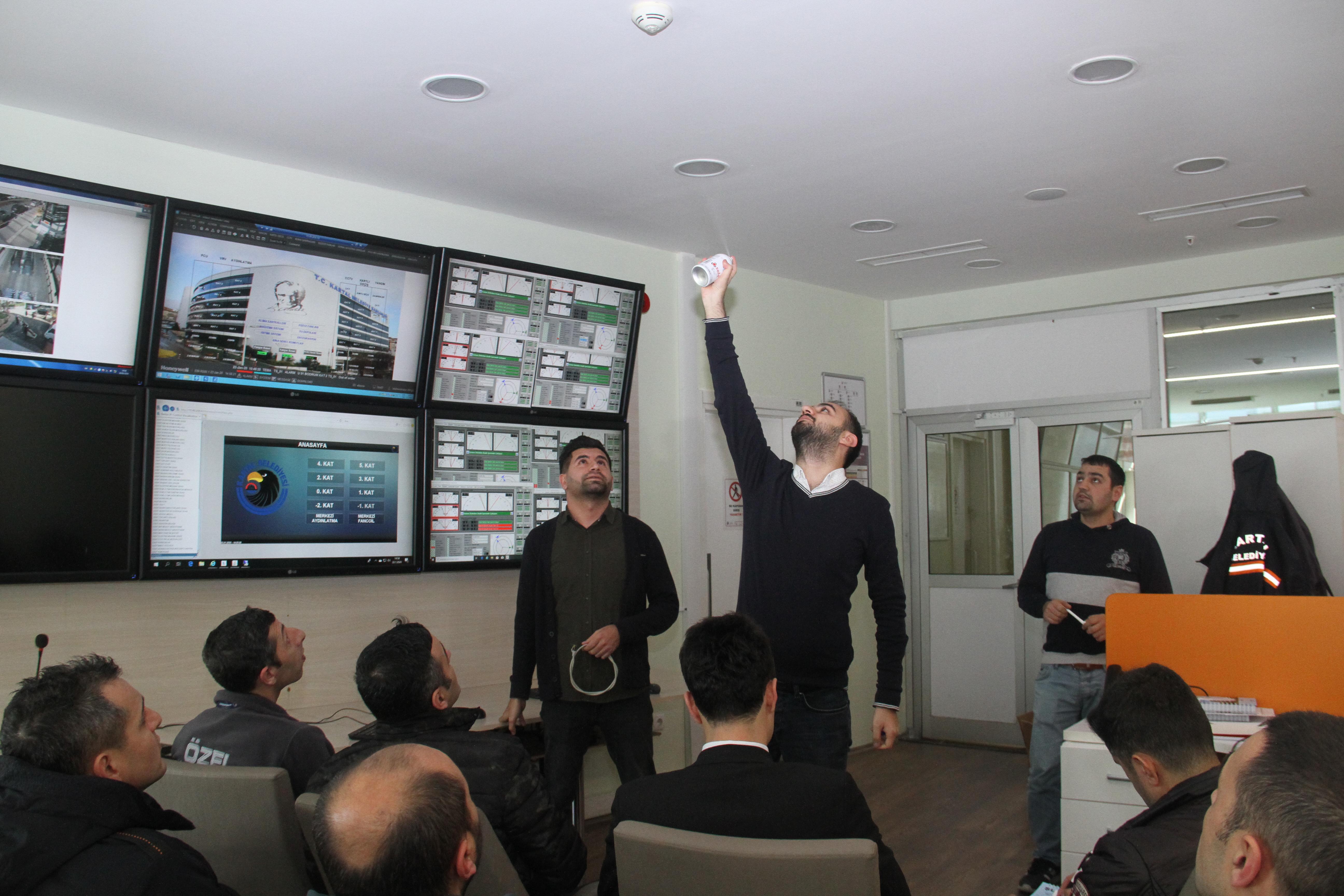 Kartal Belediyesi'nden güvenlik çalışanlarına yangın ve otomasyon sistemleri eğitimi