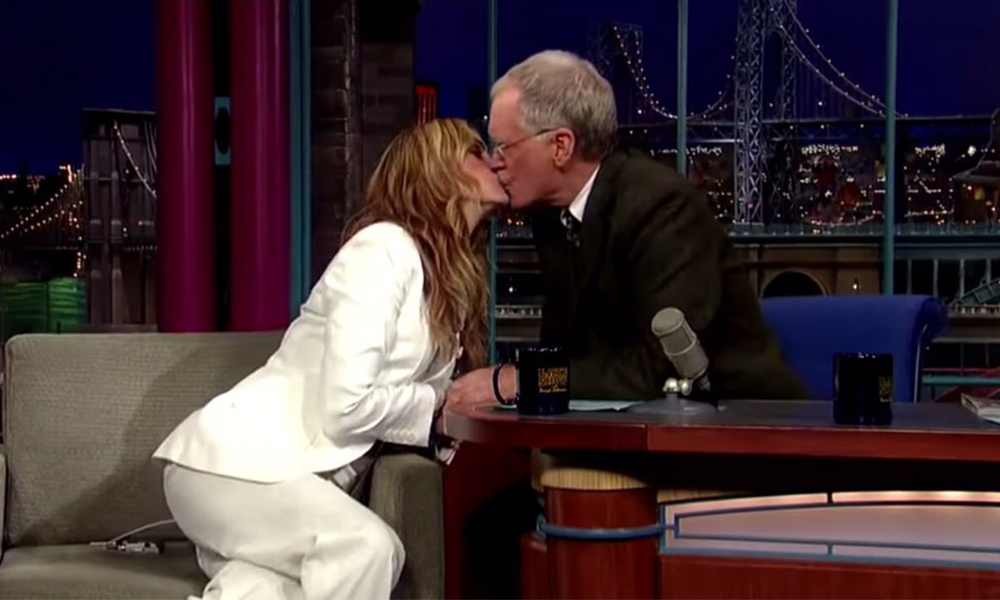 Yıllardır her programda öpüşüyorlar…