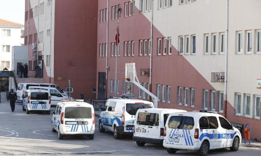 Ankara'da güvenlik görevlisi önce okul müdürünü sonra kendini vurdu