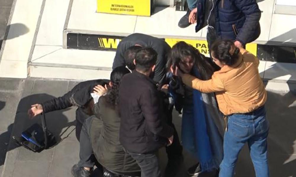 İki kadının kavgasını erkekler ayırdı