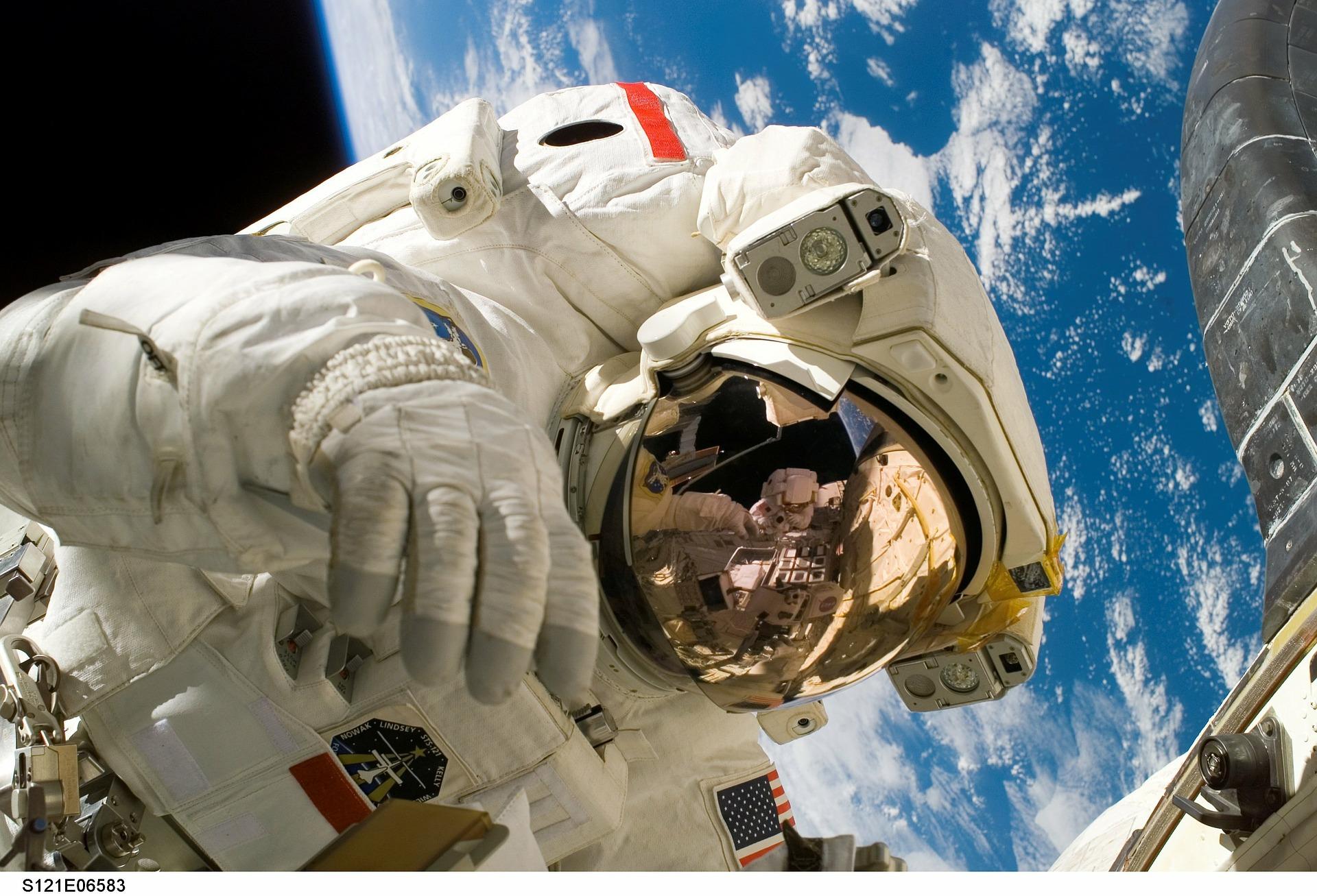NASA, yeni astronotlarını arıyor