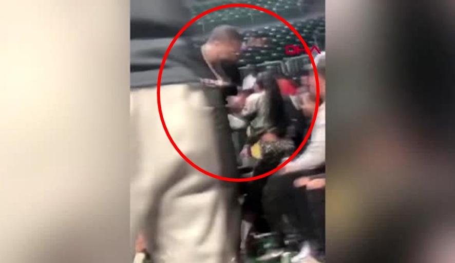 ABD'li boksör herkesin gözü önünde eşinin boğazını sıktı, yerde sürükledi