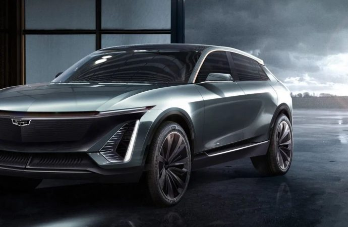 Cadillac ilk elektrikli modelini tanıttı