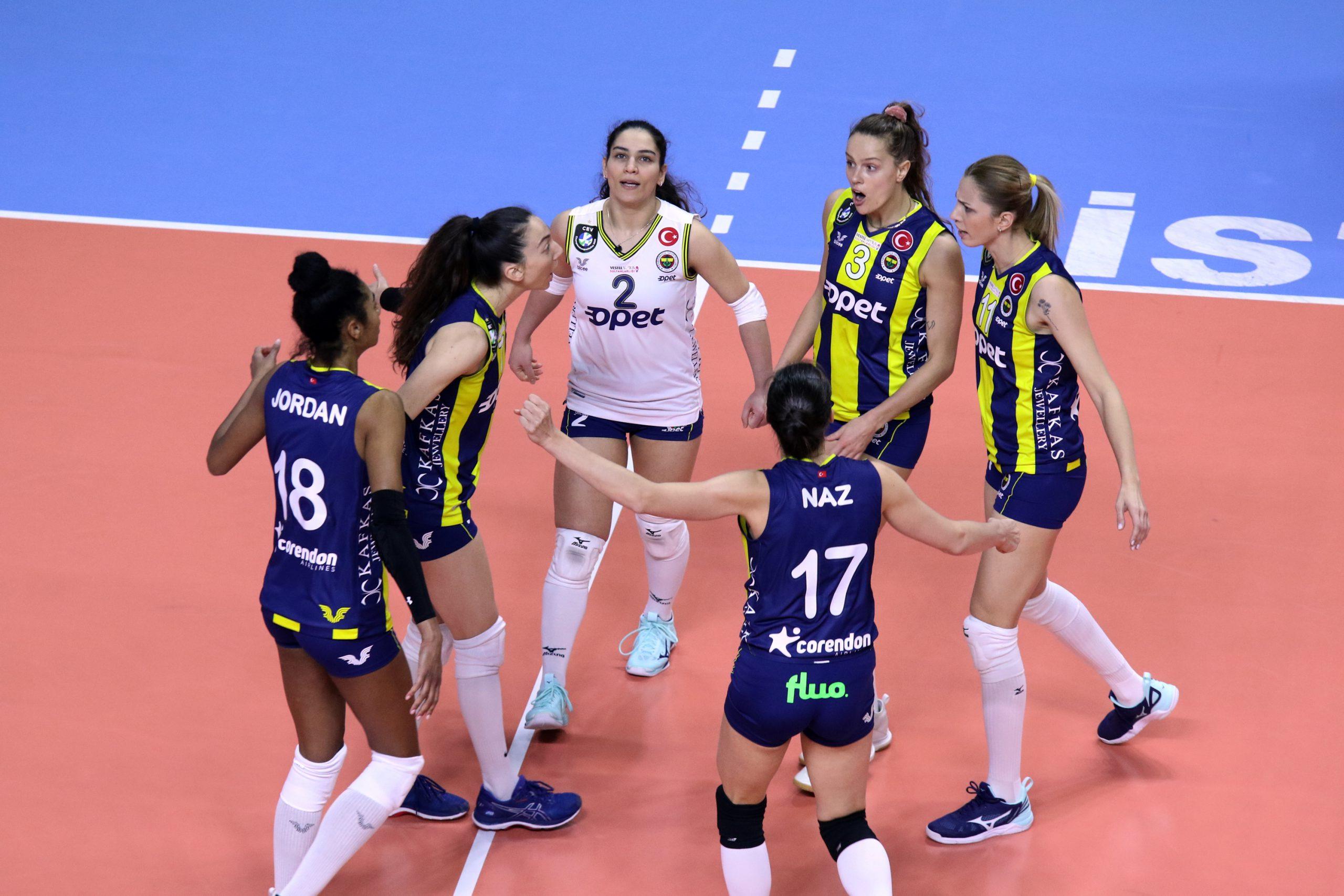 Fenerbahçe Opet – Galatasaray HDI Sigorta: 3-0