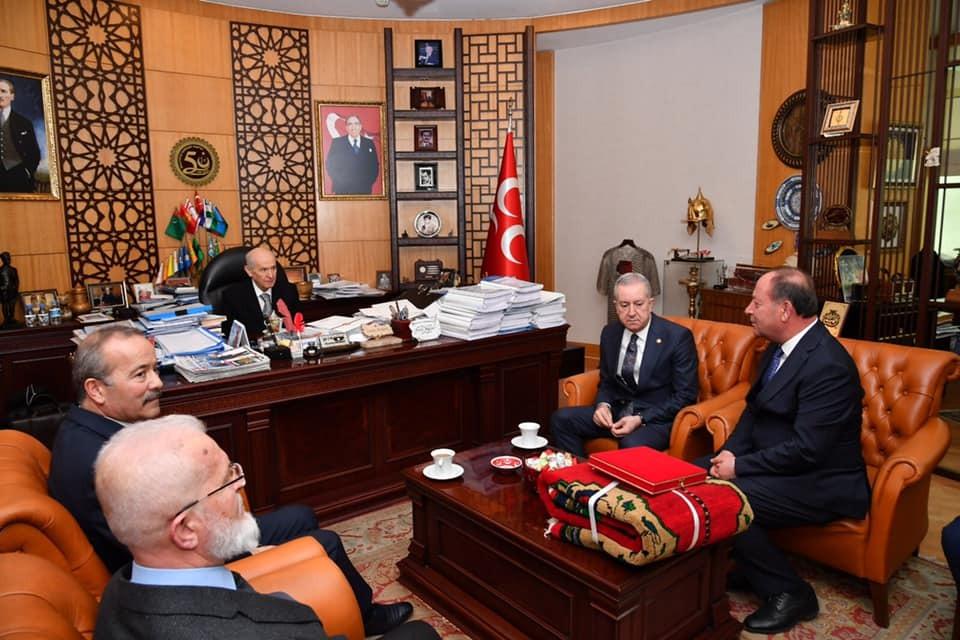 Seçimlere bağımsız giren Belediye Başkanı, MHP'ye katıldı