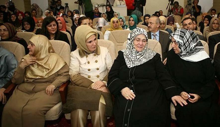 Emine Erdoğan, 'Şükran borçluyum' dediği Şenler adına vakıf kurdu