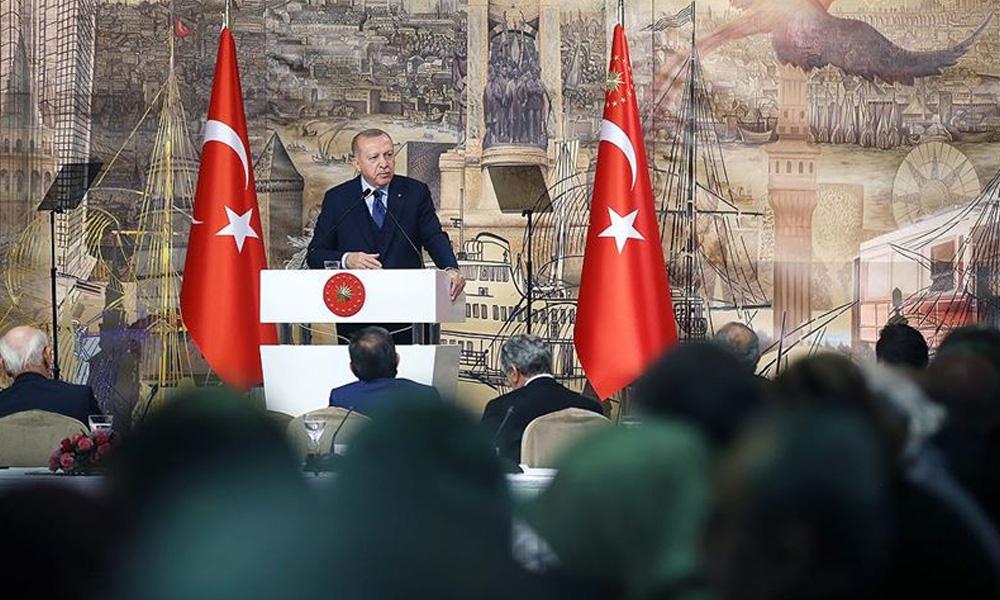 Erdoğan: Dün Putin'e söyledim bizi rejimle baş başa bırakın