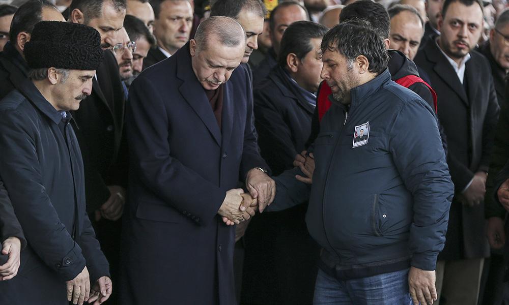 Erdoğan, şehit Emre Baysal'ın cenaze töreninde: Allah yolunda öldürülenlere ölü demeyiniz