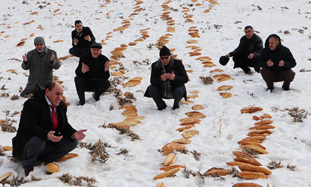 Erzurum'da doğal afet önlemi: Ekmek bıraktılar