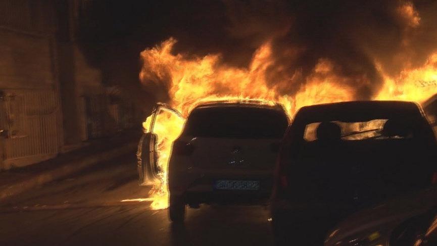 İstanbul'da korku dolu gece! 9 otomobil kundaklandı