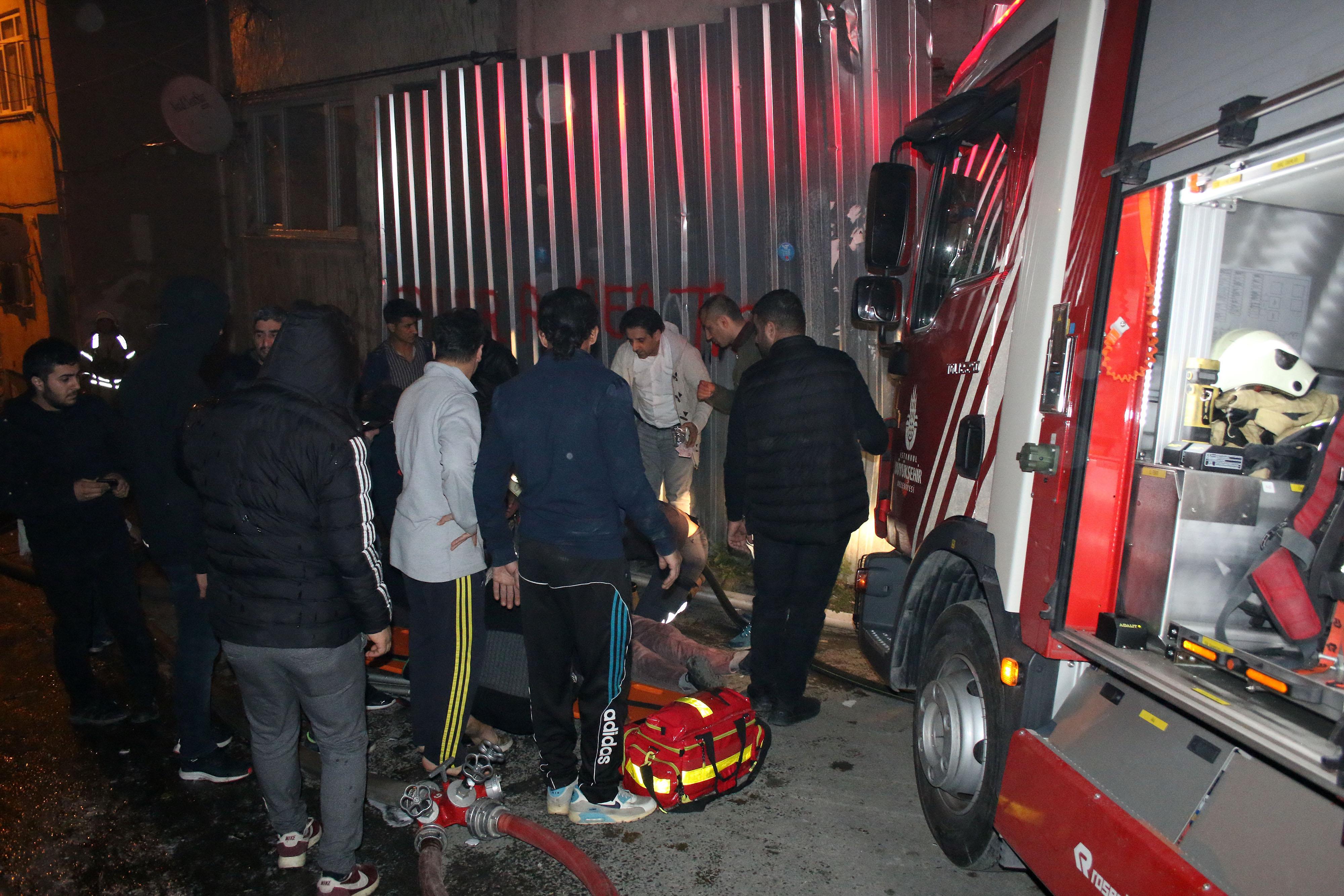 Beyoğlu'nda itfaiye aracı 3 kişiyi ezdi