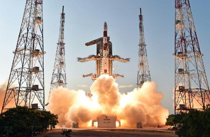 Hindistan uzaya 50 uydu fırlatacak