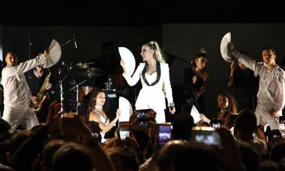 Konserini iptal etmedi! İrem Derici, Irak'ta maskeyle sahneye çıkacak