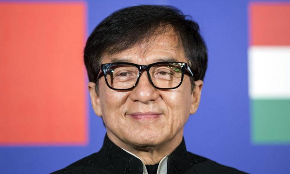 Jackie Chan koronavirüs kaptı iddialarına sosyal medyadan yanıt verdi