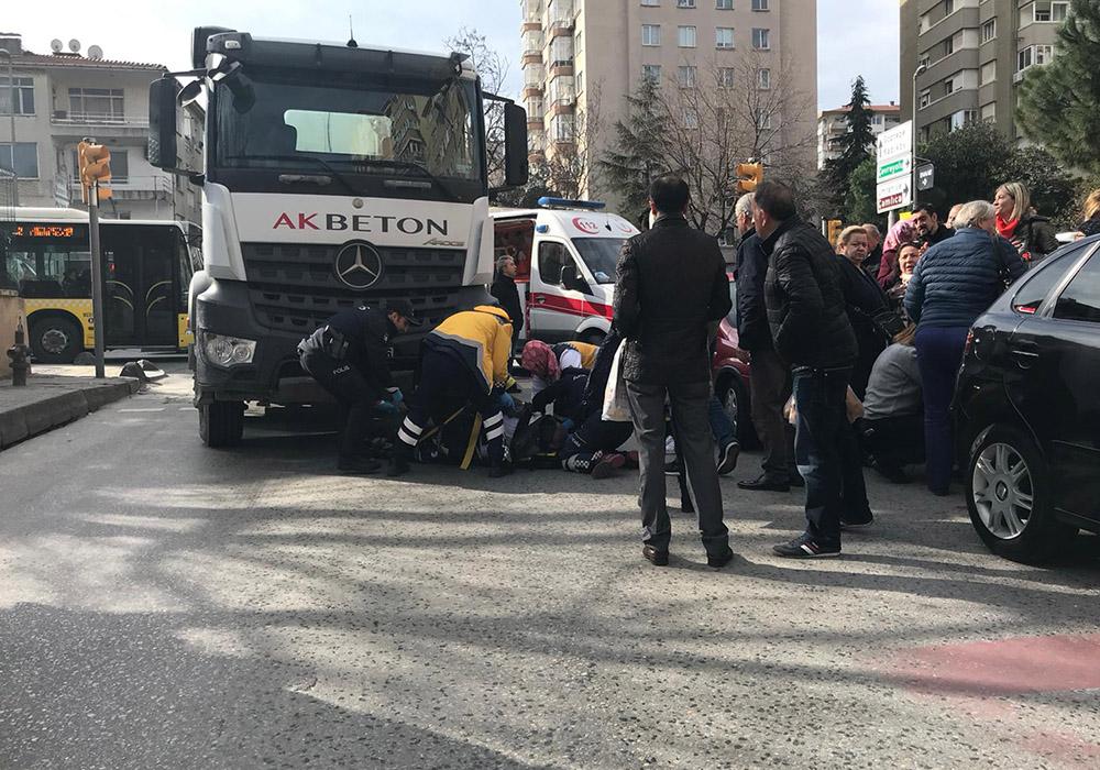 Kadıköy'de feci kaza! Yaşlı adam beton mikserinin altında kaldı