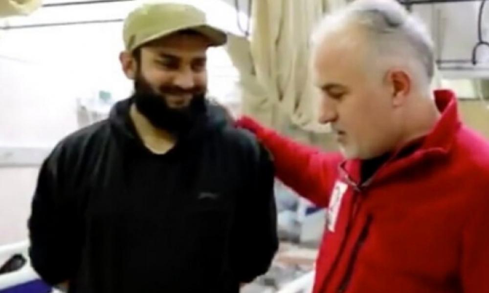 Kızılay Başkanı Kerem Kınık'tan IŞİD'li 'doktor'la fotoğraf!