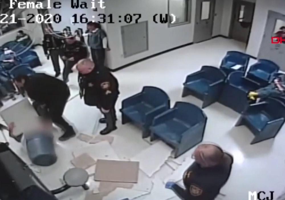 Kadın mahkumun havalandırma borusundan kaçmaya çalıştığı anlar kamerada
