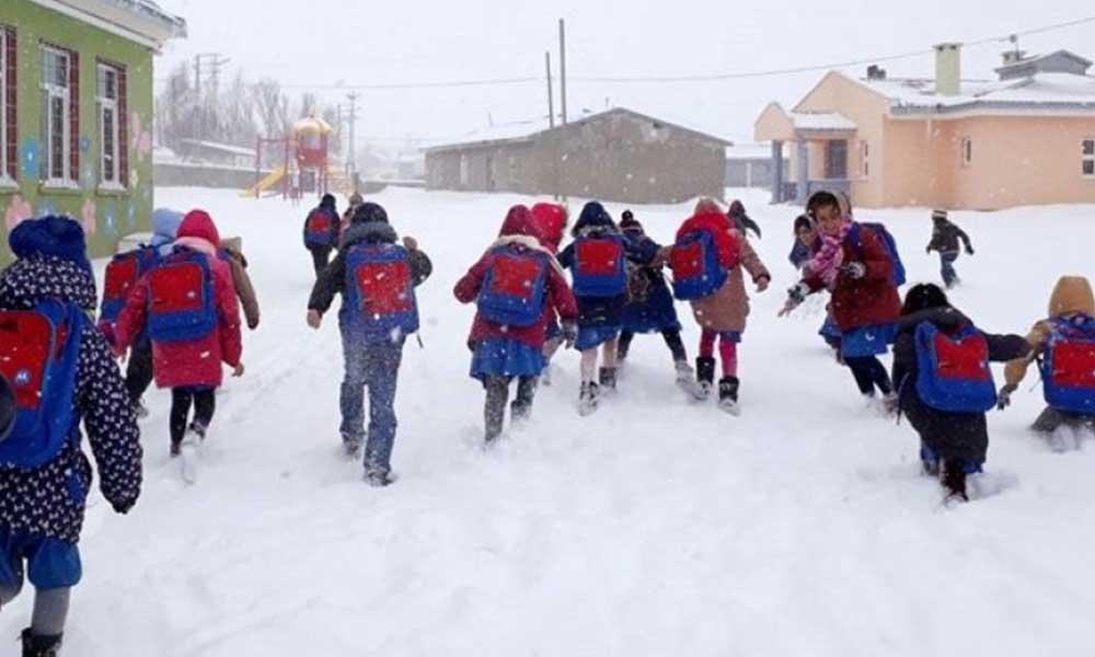 Kar yağışı sebebiyle birçok ilde eğitime ara verildi